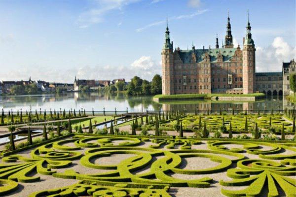 不久之后,您就能尽情欣赏丹麦井然有序的美景。
