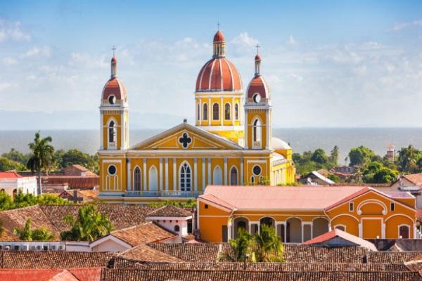 尼加拉瓜可为公路旅行车奉上各种各样的风光盛宴。