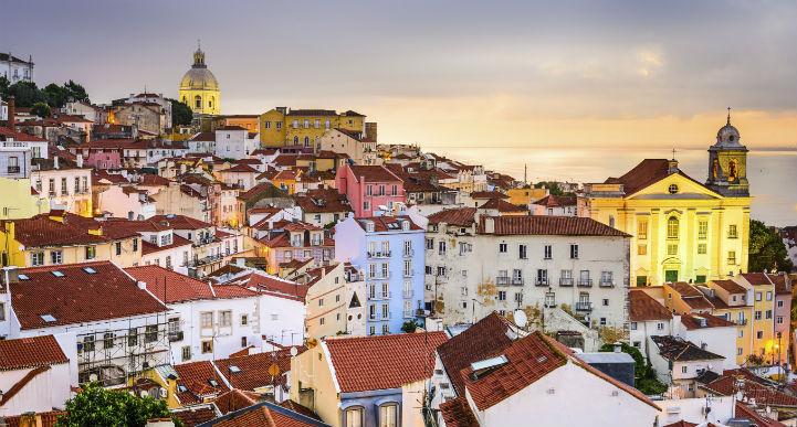 尽管有着动荡的往昔,今日的里斯本华丽转身,已发展成为一座适合游客游览的城市。