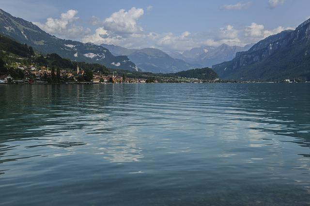 布里恩茨湖
