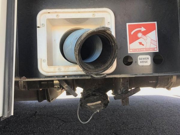 房车设施-排污口