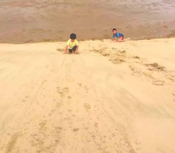 新西兰北岛90里海滩滑沙