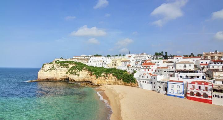 法鲁(Faro)是通往阳光明媚的阿尔加夫大区(Algarve)的门户。