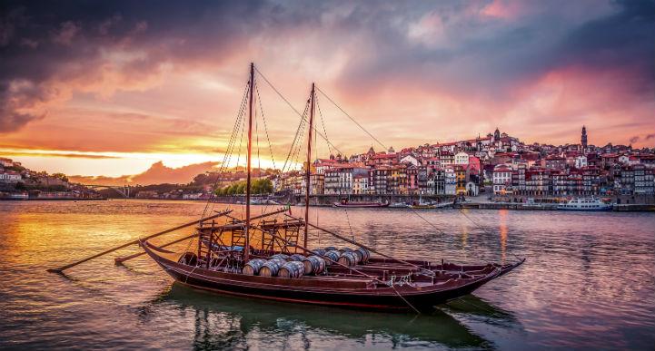 波尔图(Porto)是一座令人惊叹的现代城市。