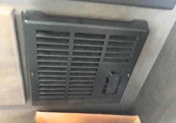 房车里面的暖气片