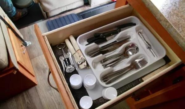 美加房车上的配置-刀叉用具