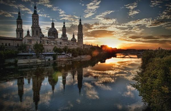 西班牙房车自驾之旅-皮拉尔圣母大教堂