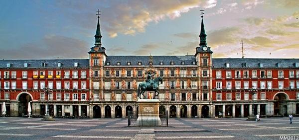 西班牙王宫建筑-马德里王宫