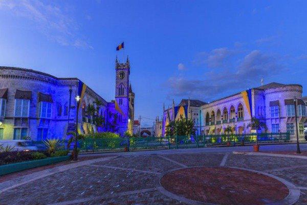 请不要忘了游览巴巴多斯的城市地区和沙滩。