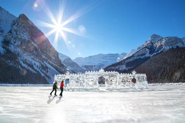露易斯湖天然溜冰场