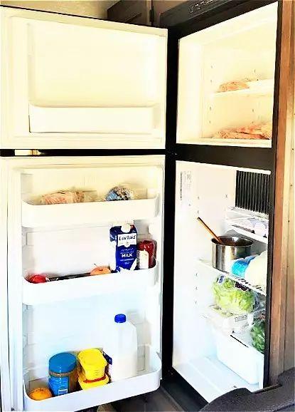 房车自驾游冰箱