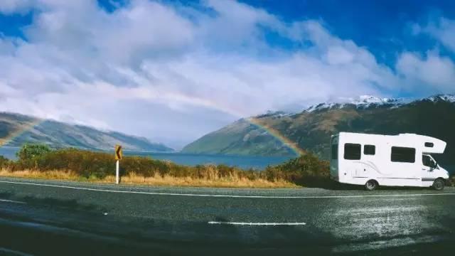 蒂阿瑙到皇后镇路上的雨后彩虹-Apple