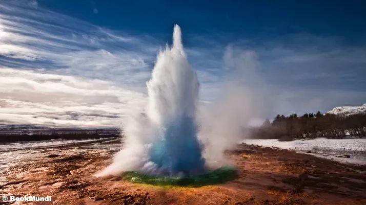 冰岛房车自驾间歇泉