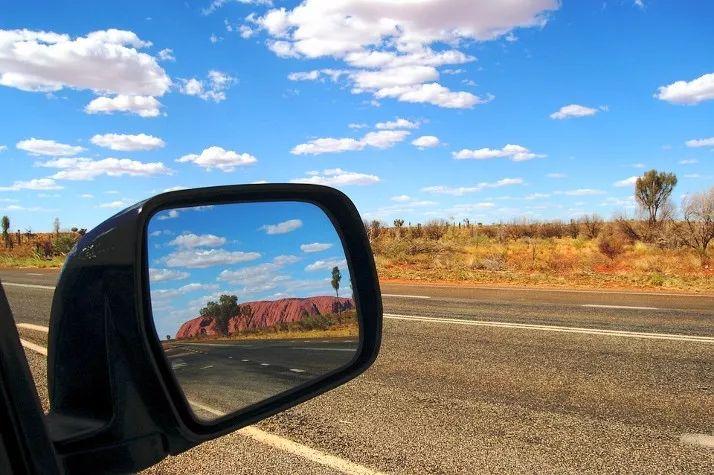 澳大利亚房车自驾游乌鲁鲁艾尔斯岩