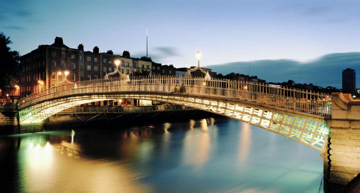 在爱尔兰的历史上,都柏林以最好的姿态呈现出了一座让人惊讶的现代化大都市应有的面貌。