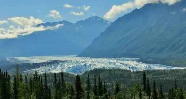 马塔努斯卡冰川