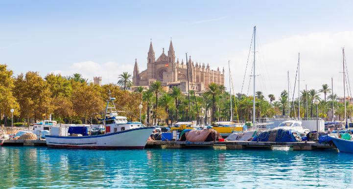 马略卡岛是典型的西班牙地中海式度假区。