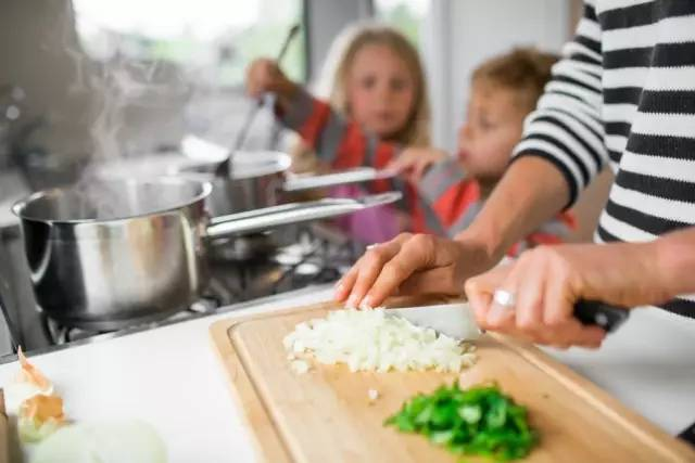 带孩子房车旅行做饭