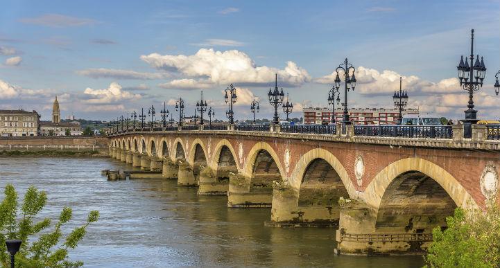 法国波尔多长桥(Bordeaux Bridge)