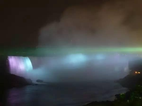 尼亚加拉瀑布夜景