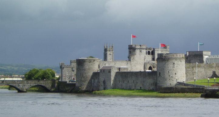 利默里克约翰王的城堡在悠久的岁月中地位非凡。