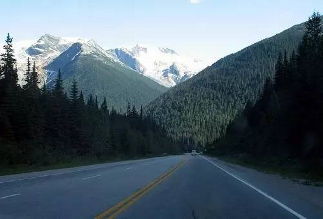 加拿大冰川国家公园