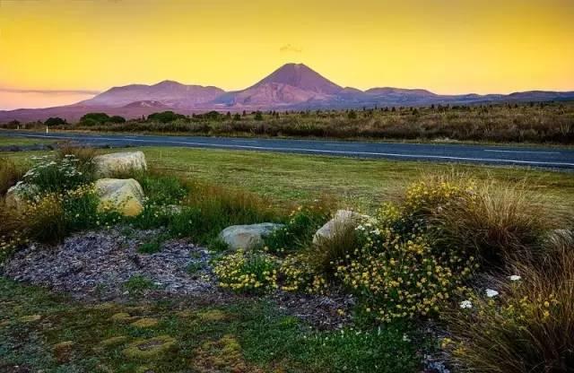 新西兰北岛汤加里罗火山