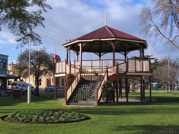 在澳大利亚开房车-拜恩斯代尔的小公园