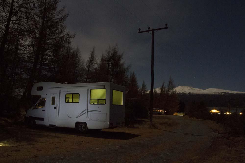 Das Wohnmobil in der Nacht