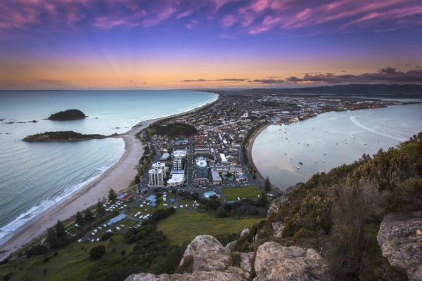 The spectacular view from the top of Mount Maunganui encompasses Tauranga and far beyond.