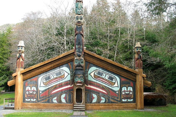 The Clan House in Totem Bight State Historical Park provides visitors with a fascinating insight into First Nations culture.