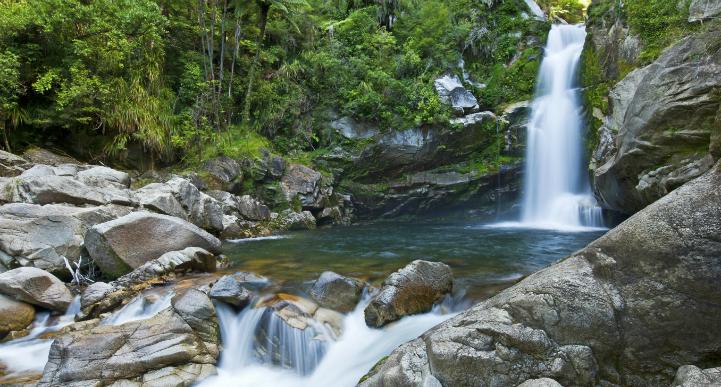 Abel Tasman waterfall