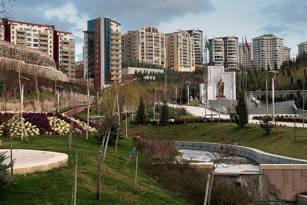 Dikmen Vadisi is an urban valley park through the heart of Ankara