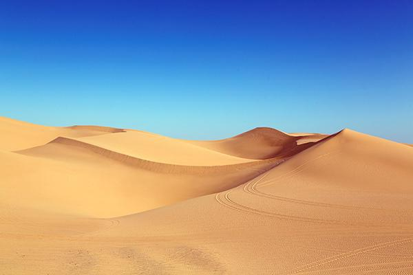 The sandy sight of the Algodones Dunes sitting pretty on a clear day