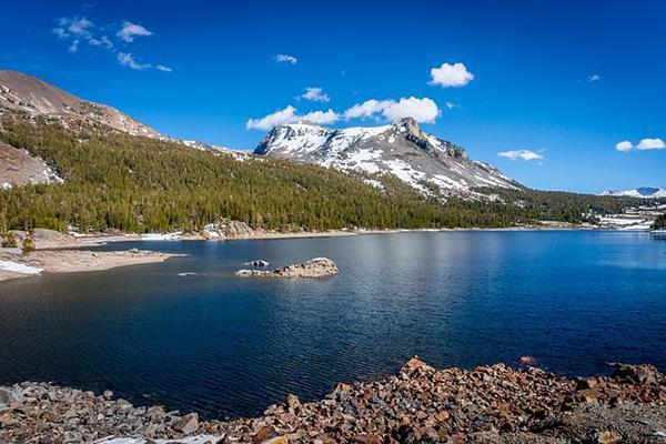 Lake and mountain views in Yosemite Valley, California