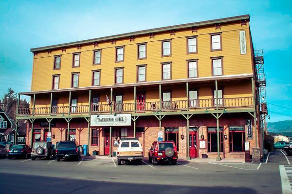 Frontal view of Truckee Hotel, Truckee California