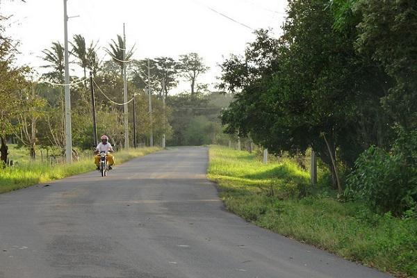 Cruise the roads of Costa Rica