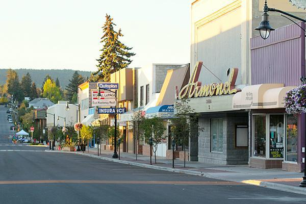 The quiet downtown of Cranbrook, British Columbia in autumn at dusk