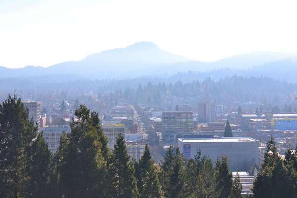 City view over Eugene taken from Skinner Butte