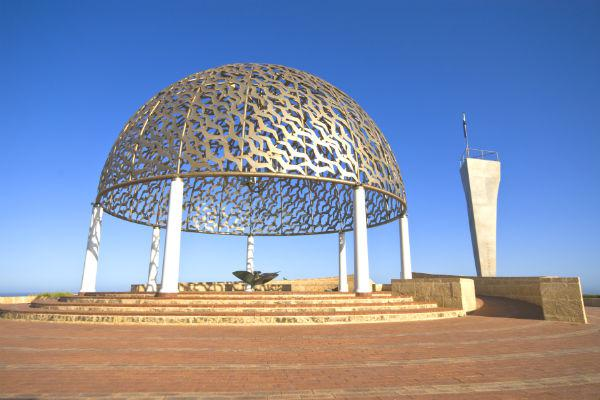 Connect with the past at the HMAS Sydney Memorial, commemorating the tragic loss of a naval cruiser with all aboard.
