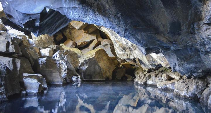 grjotagja_cave_iceland