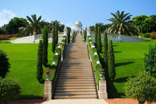 Haifa's most iconic sites are the immaculately landscaped terraces of the Bahá'í Gardens.