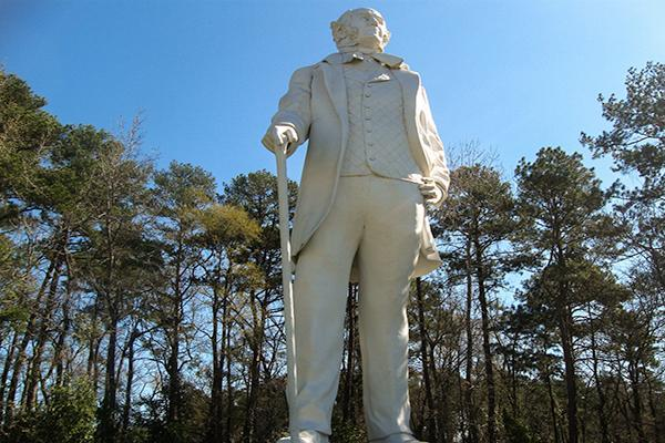 A giant 67-foot statue was erected to commemorate General James Houston in Huntsville, Alabama