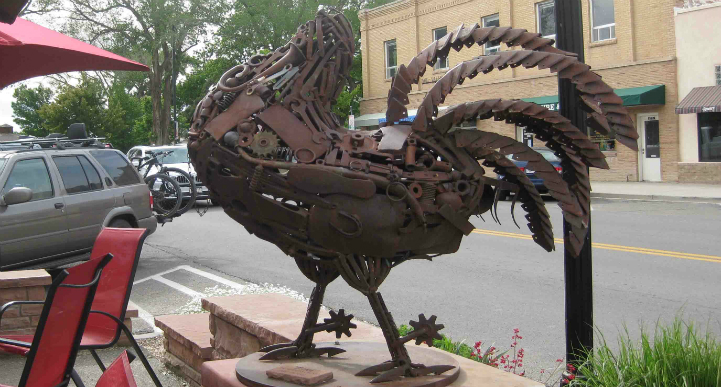 Mike the Headless Chicken statue