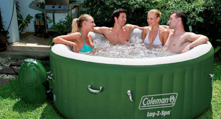 Inflatable, portable hot tub