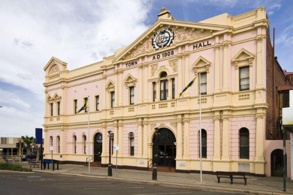 Be sure to stock up on supplies in Kalgoorlie before heading deeper into the Outback.