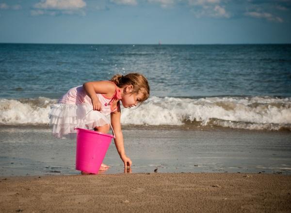 带上家人去自驾-踏浪捡贝壳