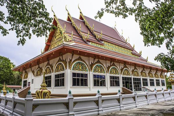 An ornate temple sitting pretty in Khon Kaen, Thailand