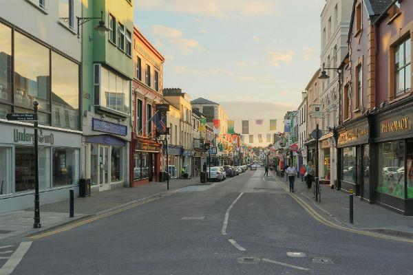 Summer time brings loads of tourists, but outside peak season you won't have any traffic problems in Killarney.