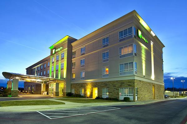 A Holiday Inn hotel looking inviting, in Killeen, Texas